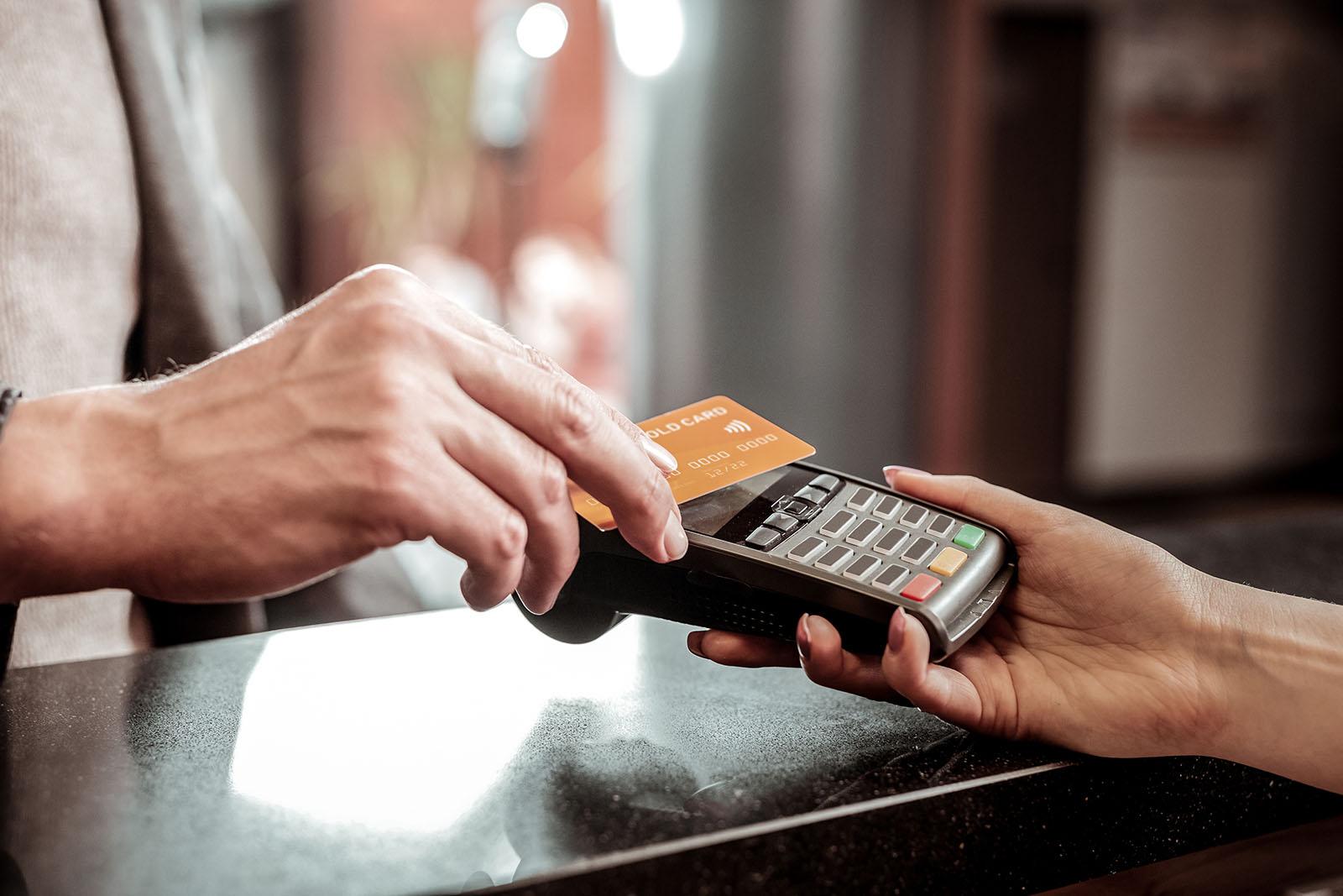 Технические сбои и негативные ответы при использовании банковских карт